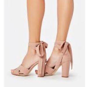 Beautiful Blush Ankle wrap chunky heels 6.5 new